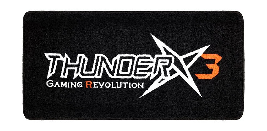 ThunderX3, TGM10, Gaming Floor Mat